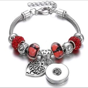 Jewelry - Red ❤️ Tree of life charms chains bracelet
